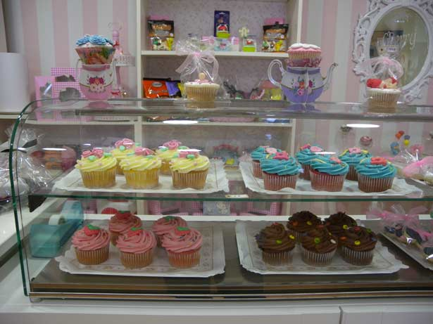 Abocados apuntes de gastronom a mostrador con cupcakes - Cupcakes tenerife ...