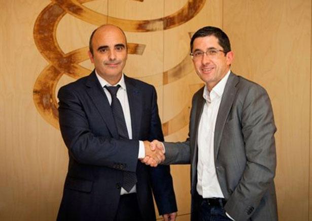 El consejero delegado de Natra, Mikel Beitia y el director del BCC, Joxe Mari Aizeaga | Foto: Natra