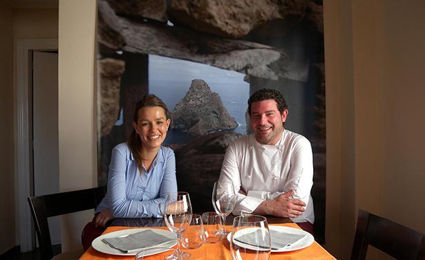 El chef Carlos Villar y Silvia Puertas defienden una cocina creativa y sencilla   Foto: J.L.C.
