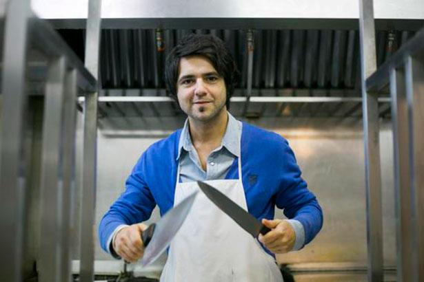 Jorge Cuéllar utiliza la cocina para divulgar ciencia   Foto: SINC