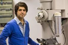 Cuéllar en el laboratorio   Foto: SINC
