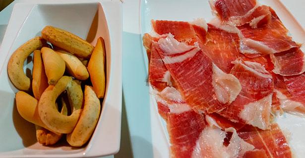 El Mencey ofrece un curso de corte de jamón | Foto: J.L.C.