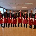 El grupo de alumnos encargado del servicio de sala   Foto: M. Villalba