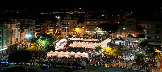 La plaza central de El Médano presentaba este aspecto durante el evento gastronómico