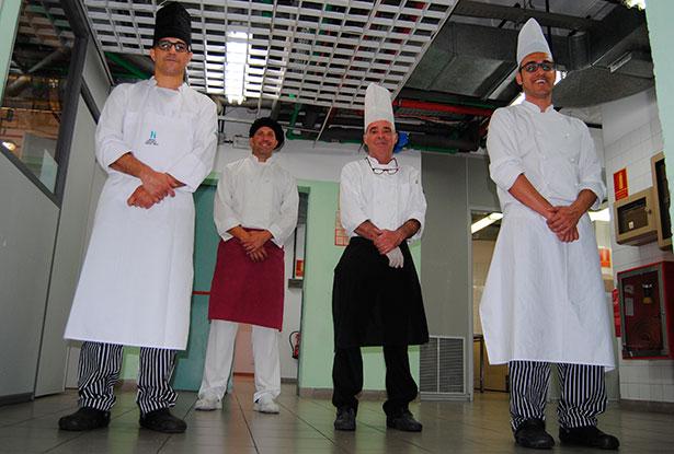 De izquierda a derecha, José Carlos Rodríguez, Jefe de Cocina y docente; Tomás Durán, Pastelero y formador; José Antonio Ríos, Cocinero y formador y Jacob Vera, docente   Foto: nataliagoncal