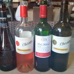 Vinos Chivite, Viña Salceda y Gran Feudo, que distribuye Insular Canarias de Bebidas.