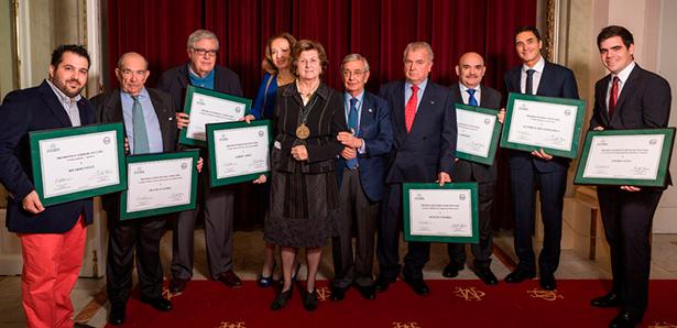 Foto de familia de los premiados | Foto: Real Academia de Gastronomía