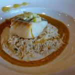 Tiffin Seabas, un bacalao confitado servido sobre una cama de arroz y de hojas de curry infusionado con leche de coco | Foto: J.L.C.