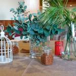 La decoración de la mesa se realizó con hojas verdes, especias y canela | Foto: J.L.C.