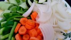 La verdura se puede trocear de distinta manera para hacer más vistoso el plato | Foto: Manducatoria