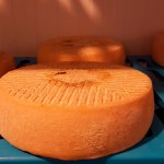 Simancas dice que aún le sorprende la evolución de algunos de los quesos | Foto: J.L.C.