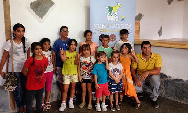 Los menores, durante su visita a la quesería Montesdeoca