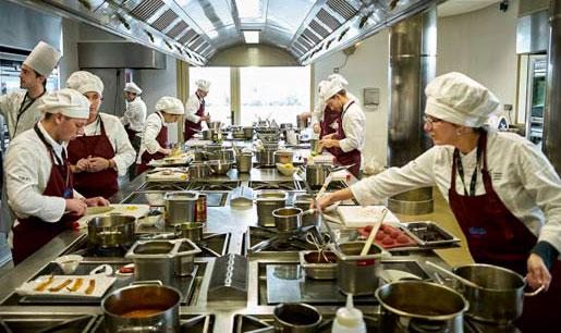 Alumnos en el Basque Culinari Center