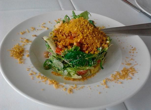 Ensalada de aguacate con millo del Ardeola   Foto: J.L.C.