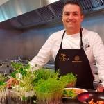 Rubén Cabrera, en su nueva cocina | Foto: J.L.C.
