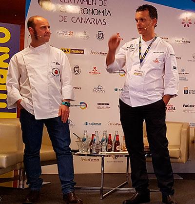 Joaquín Felipe, acompañado de Juan Carlos Clemente, durante su ponencia sobre casquería marina | Foto: José L. Conde