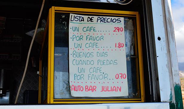 El autobar Julián premia las buenas maneras cuando se pide el café | Foto: J.C.