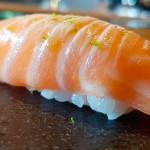 Nigiri de salmón con lima | Foto: J.L.C.