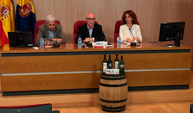 Miguel Hidalgo, en el centro, durante la presentación del decorche | Foto: Cabildo de Gran Canaria