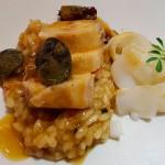 Corvinato ligeramente jareado, sobre un arroz guisado de choco y lapas | Foto: J.L.C.