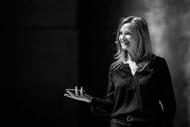 Eva Ballarín, durante una de sus ponencias