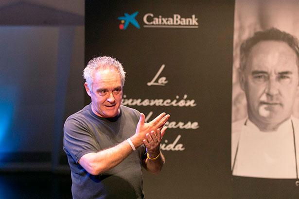 Ferrán Adriá, esta mañana, durante su intervención en el Auditorio de Tenerife