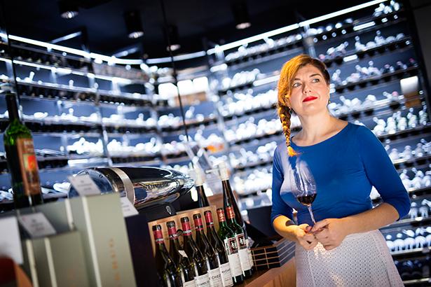 Rasa Strankauskaite, en la vinoteca El gusto por el Vino | Foto: Andrés Gutiérrez