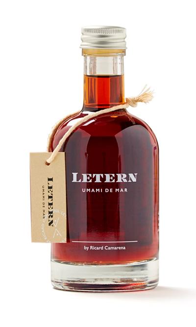 """Letern, botellas de 250 mililitros del ambarino líquido que concentra """"yodo, salazón y el óxido del pescado con el tiempo"""""""
