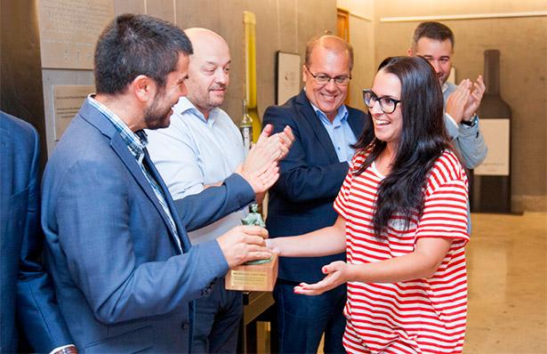 Beatriz Padrón recoge el premio