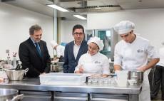 El presidente de Telefónica España visita junto al director general del BBC las instalaciones del Basque Culinary Centre | Foto: Telefónica