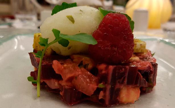 Tartar de beterrada del restaurante Papa Negra del hotel Mencey | Foto: J.L.C.