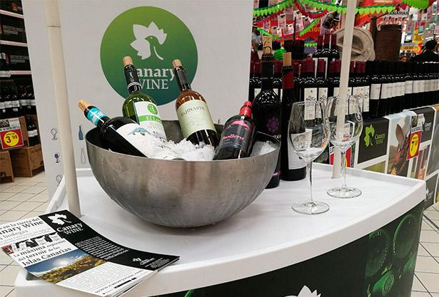 Imagen de la promoción de Canary Wine en los centros comerciales de Tenerife