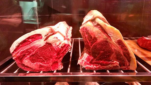 Expositor de carne del restaurante Brunellis | Foto: J.L.C.