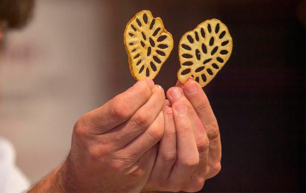 La papa colorada de baga una vez obtenidos los falsos granos de arroz   Foto: Enrique Guillermo