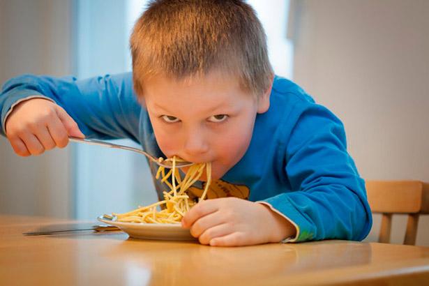 Si siguen las tendencias posteriores al año 2000, los niveles de obesidad infantil y adolescente superarán a los de los jóvenes con bajo peso de la misma edad en 2022 | Foto: Pixabay