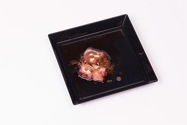 Pulpo, mojo, gofio con tuétano de ternera, el plato presentado en Gastronomika | Foto: Coconut