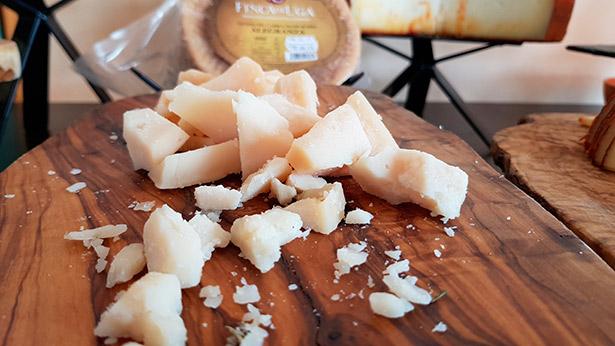 Queso de cabra madurado 'Alegranza', de Finca Uga, una de las queserías premiadas | Foto: J.L.C.
