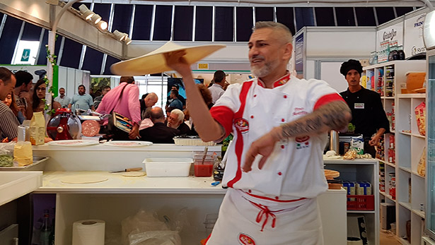 Pino Arletto, tricampeón mundial de pizza acrobática | Foto: J.L.C.