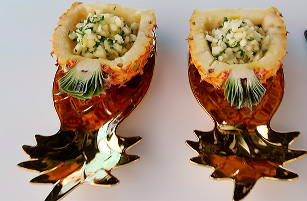 Piña de Buenavista macerada en su juego con yerbabuena del chef Dani Nielsen | Foto: J.L.C.