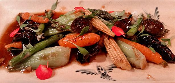 Verduras a la plancha del restaurante Dos Palillos | Foto: J.L.C.