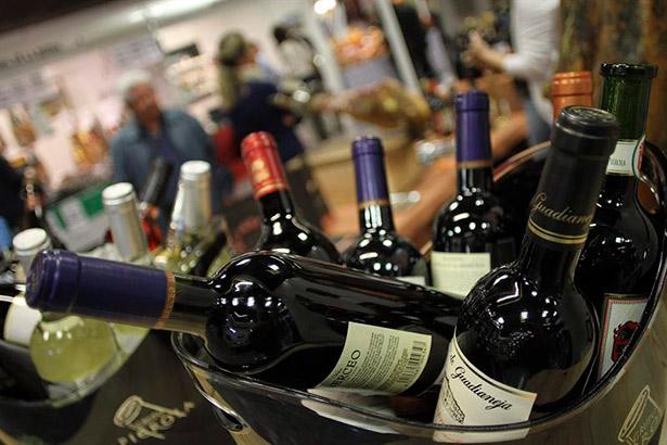 El vino es un producto poco competitivo en comparación con otras bebidas frías envasadas, en especial la cerveza