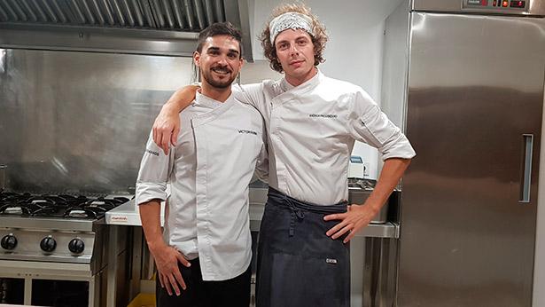 Víctor Rubia y Andrea Provenzano cocinan en Acuatromanos | Foto: J.L.C.