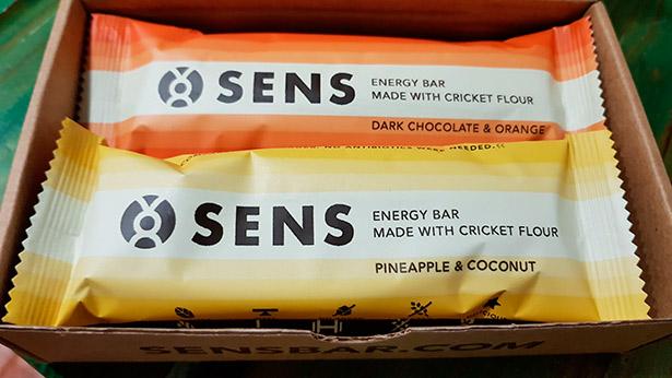 Barritas energéticas de diferentes sabores a base de harina de grillos | Foto: J.L.C.