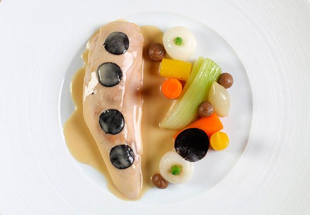 El blanco de cuatro puerros, unas cuantas zanahorias, una ramita de apio... |Foto: faimdelyon.com