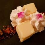 Quesillo en larga cocción, nata vainilla y sablé bretón | Foto: J.L.C.