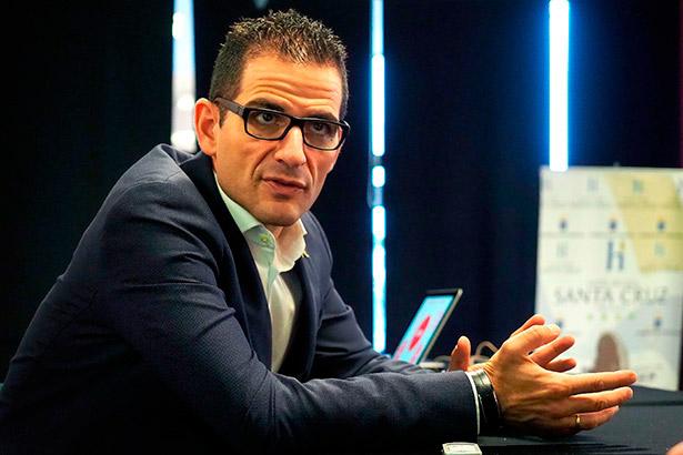 Abel Valverde, jefe de sala de Santceloni | Foto: Sergio Méndez