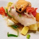 Salpicón de merluza de pincho con vinagreta de mejillón de roca,papas y huevo, de Carlos Villar | Foto: J.L.C.