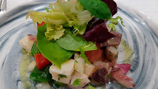 El aceite de oliva representa el estandarte por excelencia de la dieta mediterránea, | Foto: J.L.C.