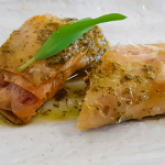 Interpretación del plato típico de costillas, papas, millo y mojo | Foto: J.L.C.