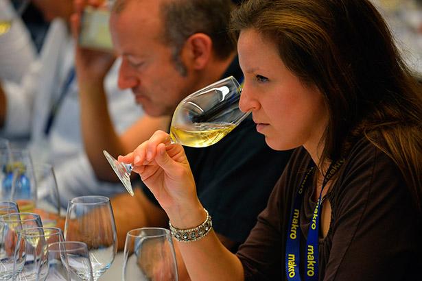 El encuentro será un reconocimiento a las mujeres técnico que trabajan en los consejos reguladores de vinos del archipiélago | Foto: Coconut